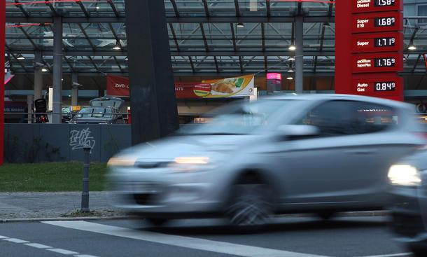 Benzinpreise Deutschland Vergleich Morgenstunden Sprit teurer