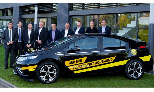 Borussia Dortmund Opel Ampera Fußballer Autos 2013 Fußball-Stars Kicker