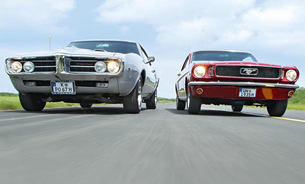 Ford Mustang 289 Pontiac Firebird 400 Ikonen Bilder technische Daten Vergleich