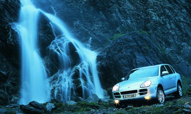 Porsche Cayenne Gericht Prozess Wasser Schiebedach