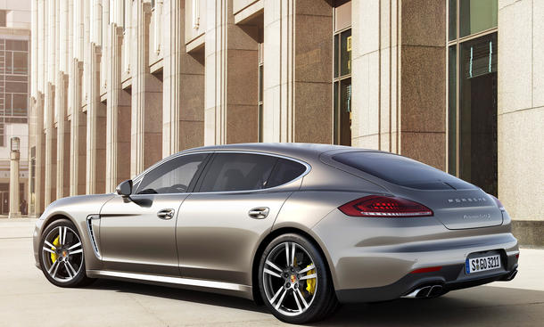 porsche panamera turbo s 2014 facelift mit 570 ps in tokyo. Black Bedroom Furniture Sets. Home Design Ideas