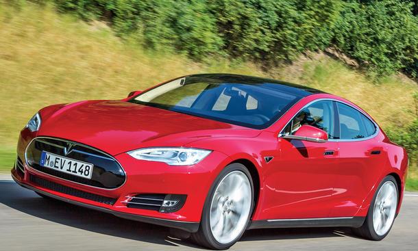 Tesla Model S Deutschland Autobahn Performance Upgrade 2013