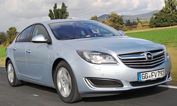Bilder Opel Insignia 2.0 CDTI ecoFLEX Vergleich Mittelklasse Front
