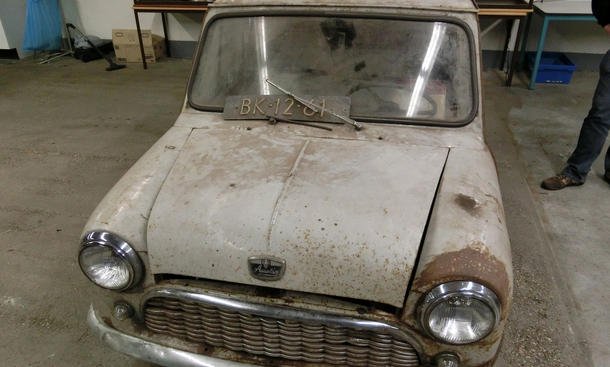 Classic Mini Restauration reBorn Niederlande Born Austin Seven
