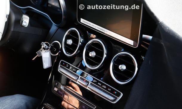 Mercedes GLK 2015: Erlkönig zeigt Innenraum ungetarnt!