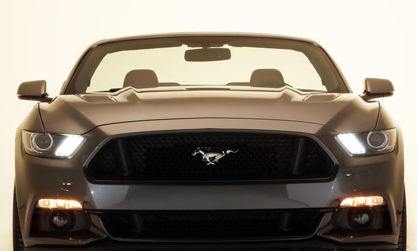 2015 ford mustang convertible cabrio auf amerikanisch. Black Bedroom Furniture Sets. Home Design Ideas