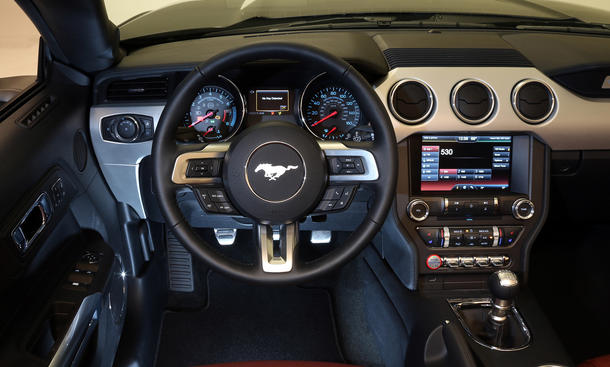 2015 ford mustang convertible cabrio auf amerikanisch bild 4. Black Bedroom Furniture Sets. Home Design Ideas