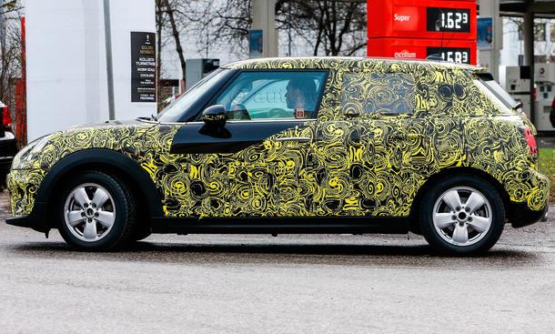2014 - [Mini] Mini IV 5 portes [F55] - Page 2 Mini-Hatch-Fuenftuerer-2014-Erlkoenig-03