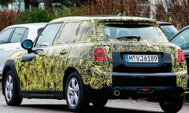 2014 - [Mini] Mini IV 5 portes [F55] - Page 2 Mini-Hatch-Fuenftuerer-2014-Erlkoenig-05