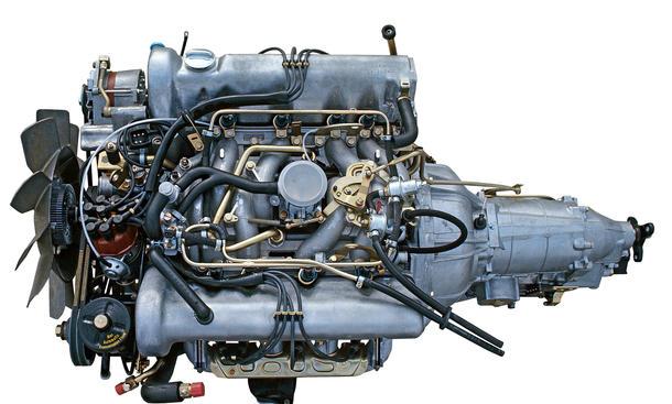 Mercedes M100 V8 Bilder Motor