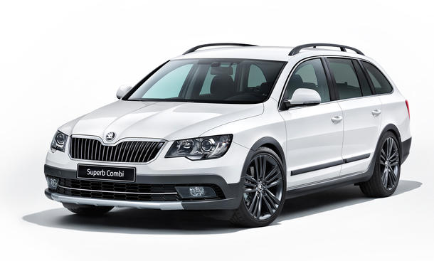 Skoda Superb Combi Outdoor 2014 Offroad Optik