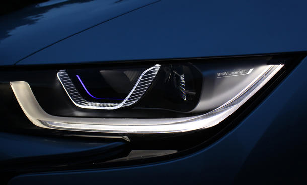 BMW Laser-Scheinwerfer i8 Laserlicht Lichttechnik-Premiere Innovation