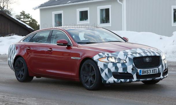2015 - [Jaguar] XJ Restylée Jaguar-XJ-Facelift-Erlkoenig-2014-04