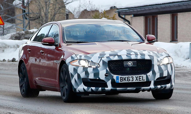 2015 - [Jaguar] XJ Restylée Jaguar-XJ-Facelift-Erlkoenig-2014-06