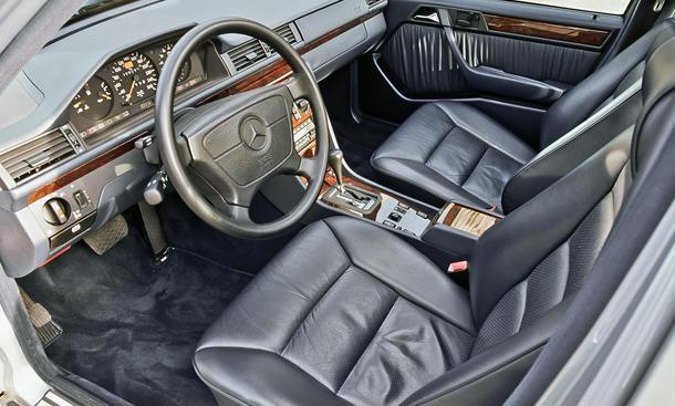 Mercedes E 420 Kaufberatung Bilder technische Daten Cockpit