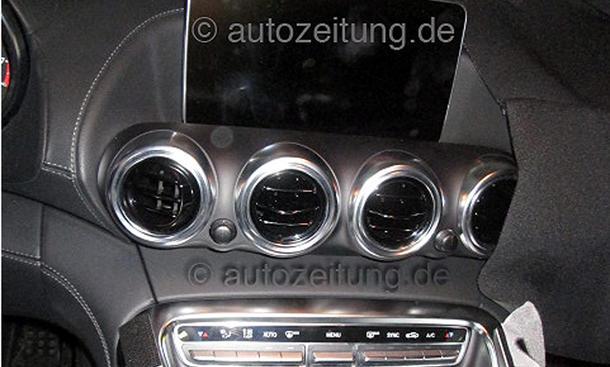 2014 - [Mercedes-AMG] GT [C190] - Page 4 Mercedes-GT-AMG-2015-Innenraum-Erlkoenig-Interieur-04