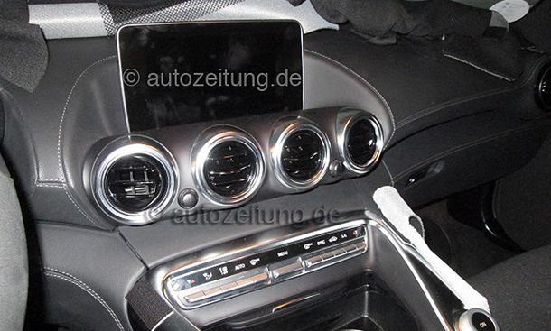 2014 - [Mercedes-AMG] GT [C190] - Page 4 Mercedes-GT-AMG-2015-Innenraum-Erlkoenig-Interieur-05