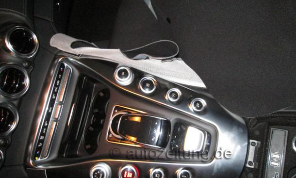 2014 - [Mercedes-AMG] GT [C190] - Page 4 Mercedes-GT-AMG-2015-Innenraum-Erlkoenig-Interieur-08