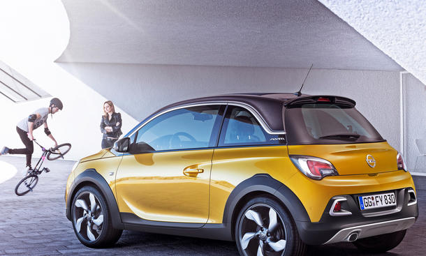 opel adam rocks 2014 rolldach cabrio serienreif in genf bild 2. Black Bedroom Furniture Sets. Home Design Ideas