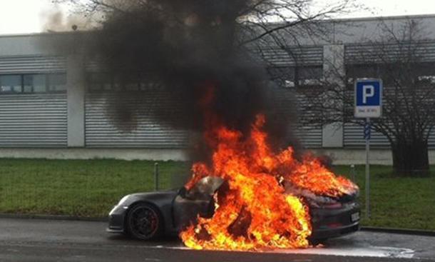 Porsche 911 GT3 2014 Rückruf Serviceaktion Brandgefahr Feuer