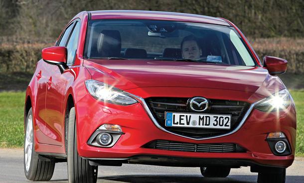 Bilder Mazda 3 Skyactiv-D 150 Kompaktklasse-Vergleich Kurvenfahrt