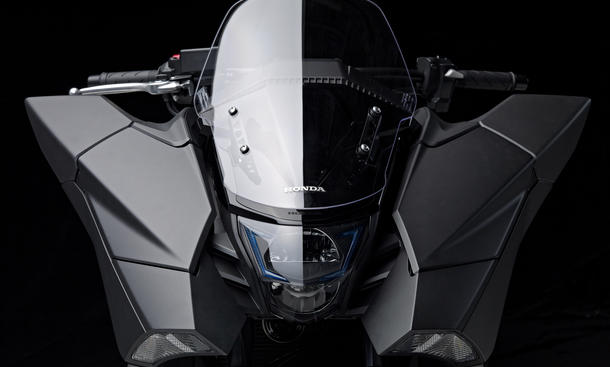 Honda NM4 Vultus Science Fiction Cruiser Marktstart 2014