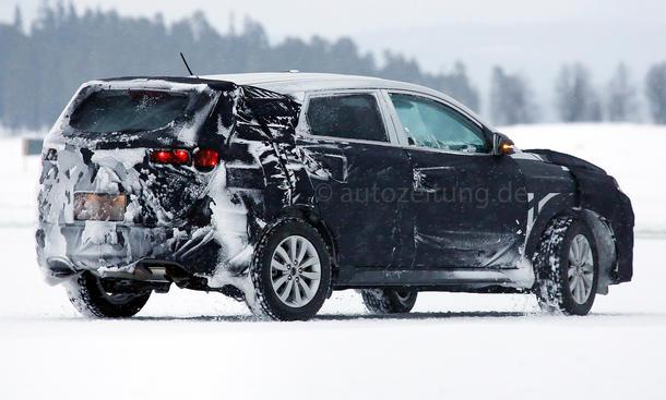 2015 - [Hyundai] Tucson III Hyundai-ix35-2015-Erlkoenig-03