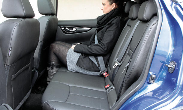 nissan qashqai test bilder und technische daten bild 4. Black Bedroom Furniture Sets. Home Design Ideas