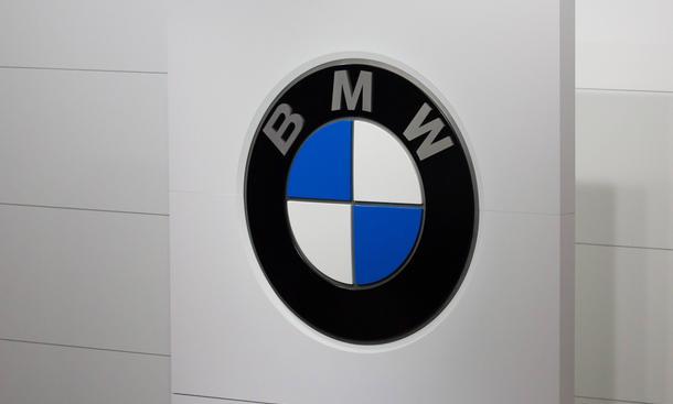 BMW Rueckruf 2014 USA China Sechszylinder Motoren lockere Bolzen