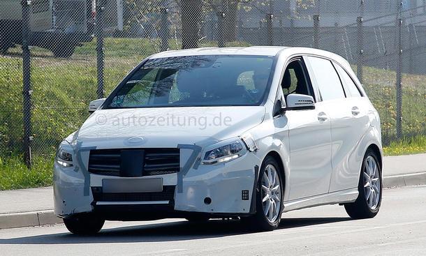 Erlkönig 2014 Mercedes B-Klasse Facelift Van Kompaktklasse W246