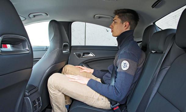 Mercedes cla 200 vergleich bilder technische daten limousine