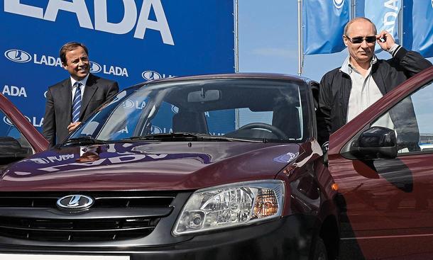 Automarkt Russland Wirtschaft Bilder