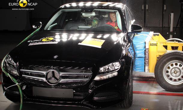 Euro NCAP Crashtest Mercedes C Klasse 2014 überzeugt