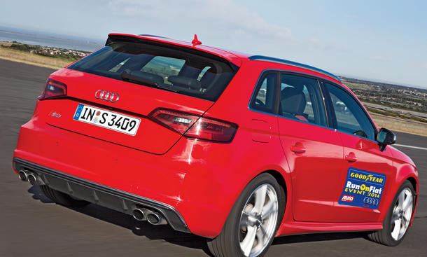 Goodyear-RunOnFlat-Event-2014-Audi-S3-Sportback
