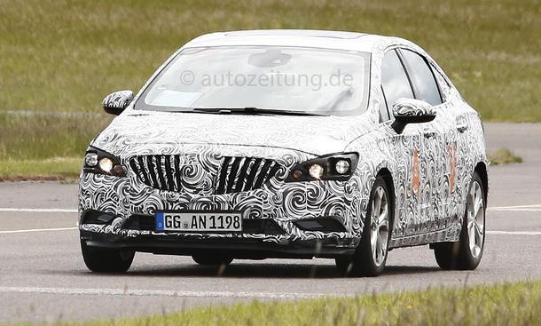 Opel Astra 2015 Erlkoenig-Mule Buick Verano Neuheiten Kompaktklasse