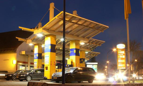 Aktuelle Benzinpreise Deutschland Spritkosten Vergleich ADAC