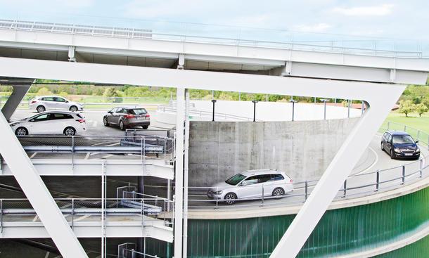 Peugeot 308 SW VW Golf Variant Ford Focus Turnier Kombi Vergleich Bilder technische Daten