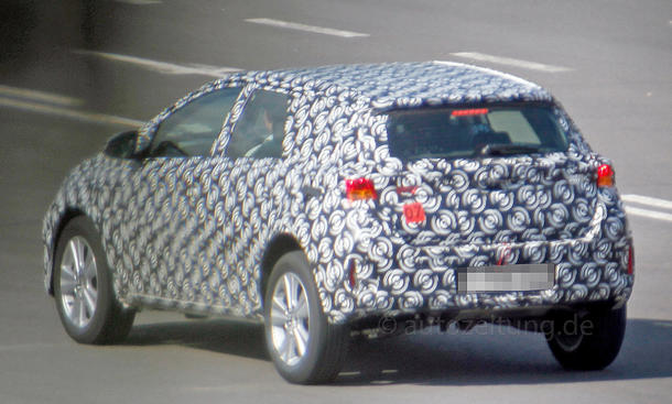 2020 - [Toyota] Auris SUV Toyota-Urban-Cruiser-2015-Erlkoenig-03