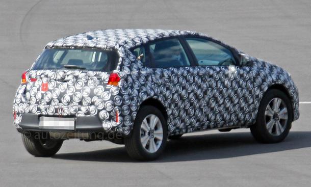 2021 - [Toyota] Corolla Cross Toyota-Urban-Cruiser-2015-Erlkoenig-05
