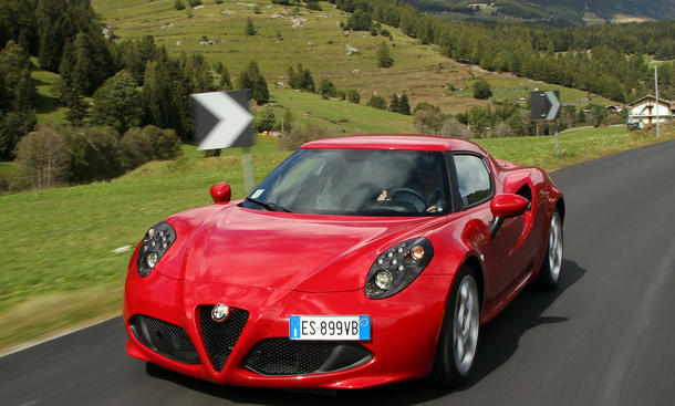 Alfa Romeo 4C Klassiker der Zukunft Oldtimer Raritaeten Sportwagen