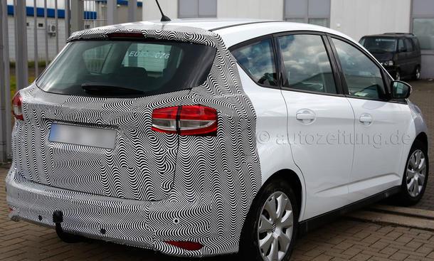 2014 - [Ford] C-Max Restylé - Page 2 Ford-C-Max-Facelift-2014-Erlkoenig-Kompakt-Van-04