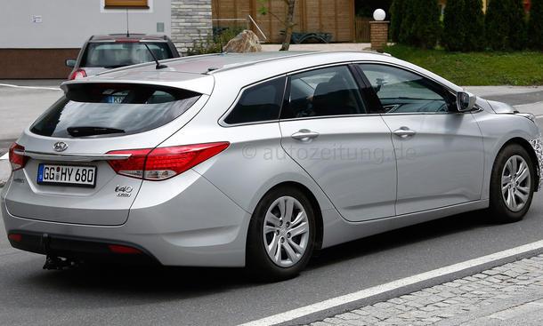 2015 - [Hyundai] i40 Restylée - Page 2 Hyundai-i40-Facelift-Erlkoenig-2014-02