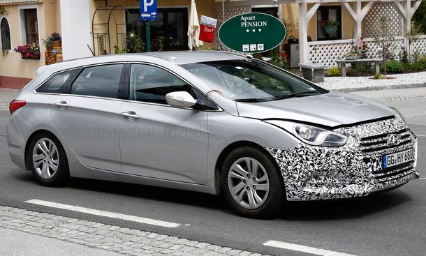 2015 - [Hyundai] i40 Restylée - Page 2 Hyundai-i40-Facelift-Erlkoenig-2014-06