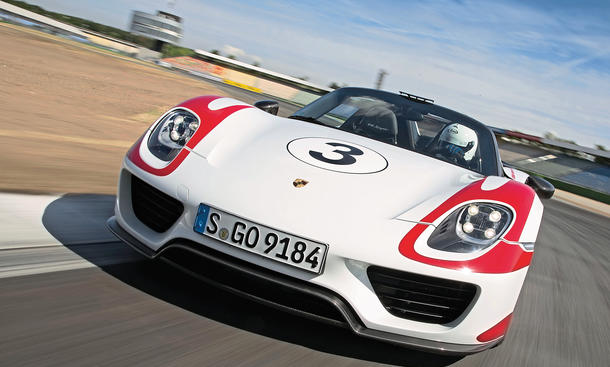 porsche 918 spyder 2014 tracktest mit dem supersportwagen bild 4. Black Bedroom Furniture Sets. Home Design Ideas