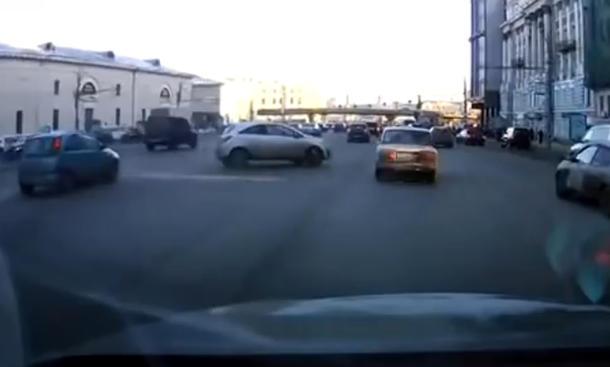 Frisch aus dem Netz: Parken auf Russisch