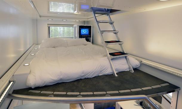 kiravan die ultimative mischung aus wohnmobil und. Black Bedroom Furniture Sets. Home Design Ideas