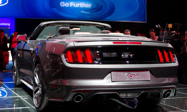 ford mustang 2015 preis f r deutschland steht fest bild 13. Black Bedroom Furniture Sets. Home Design Ideas