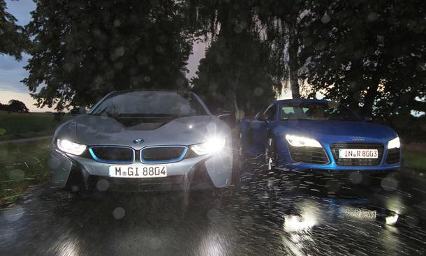 Audi R8 LMX BMW i8 Hybrid Sportwagen Vergleich Bilder technische Daten