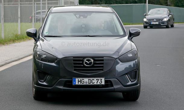 Mazda CX-5: Facelift 2015 als SUV-Erlkönig