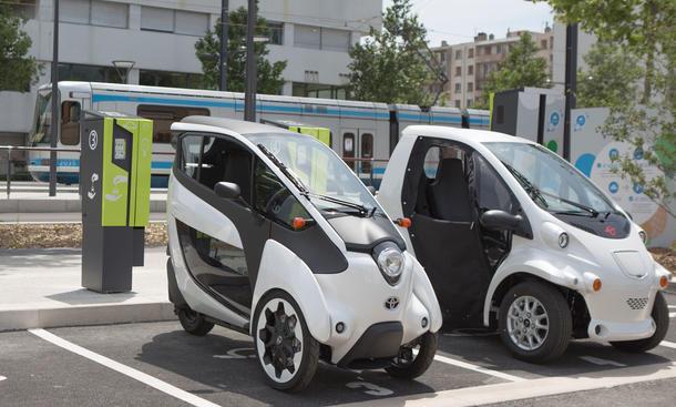 Toyota iRoad Elektroantriebo Grenoble  Carsharing